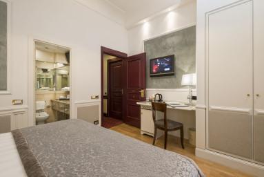 HOTEL BRITANNIA #14