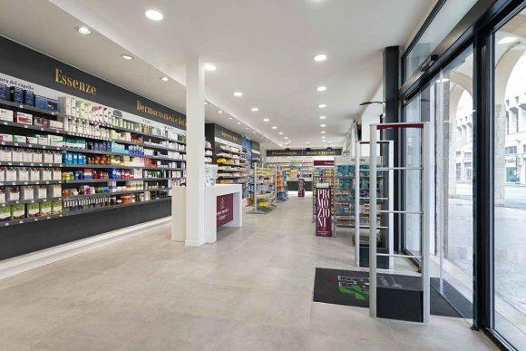 Farmacia Comunale di Livorno su progetto Zanchettin #1